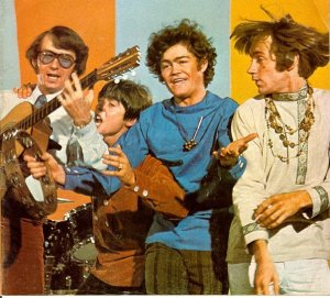 The-Monkees-the-monkees-2846004-603-546